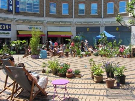 Wimbledon Piazza looking rather tropical!