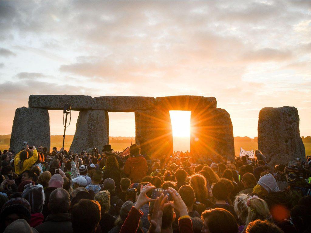 stonehenge solstice